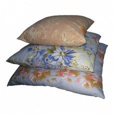 Подушка с синтетическим наполнителем, 70х70